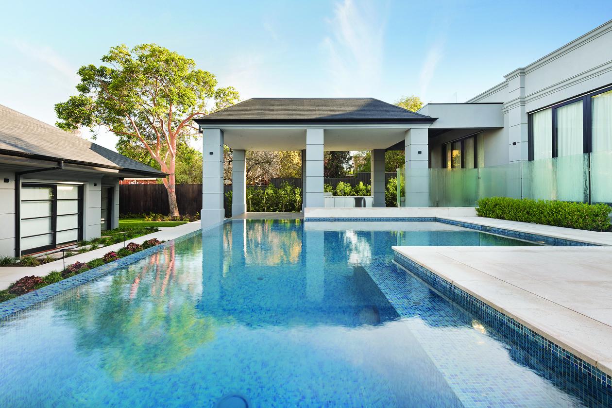 Pool-clean-summer